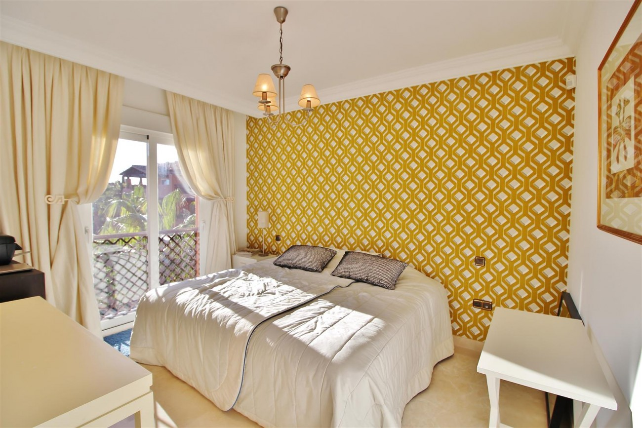 Luxury Penthouse for sale Marbella Golden Mile (25) (Large)