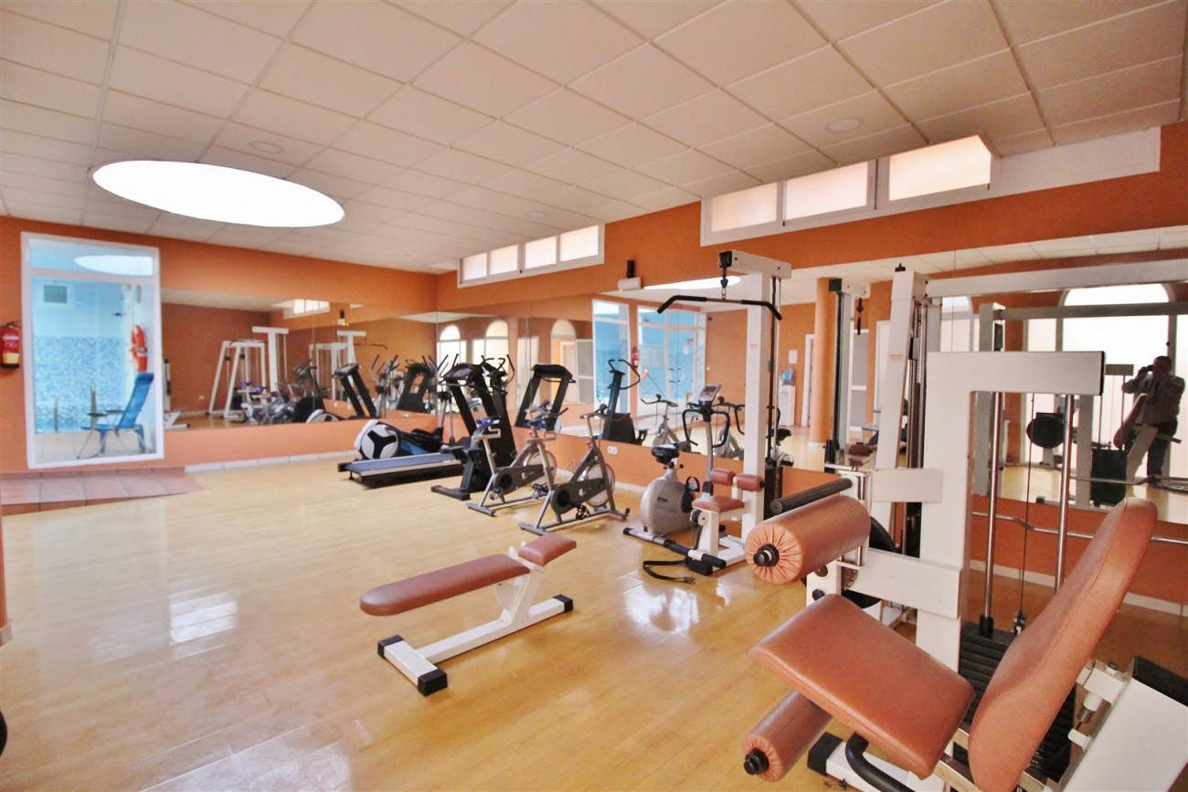 Luxury Penthouse for sale Marbella Golden Mile (34) (Large)