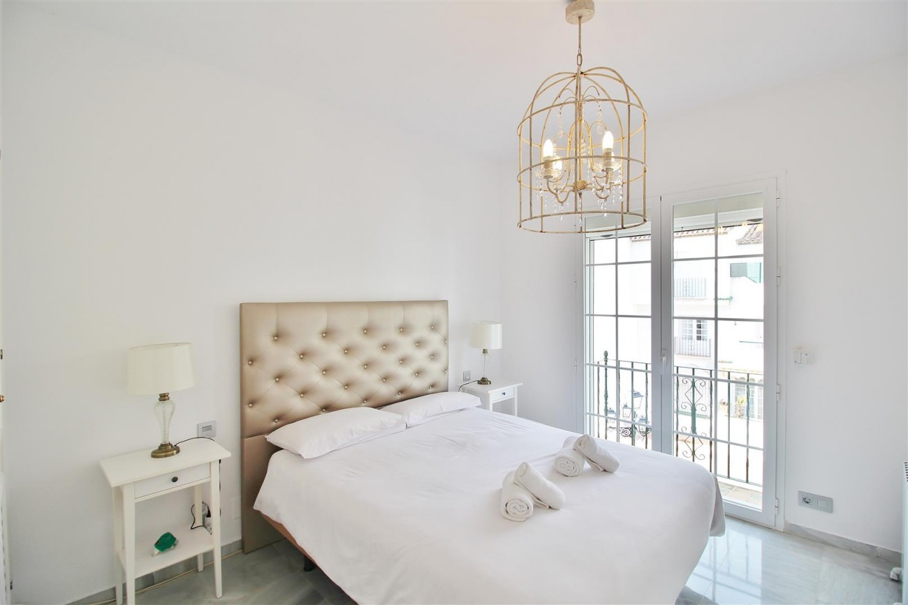Penthouse for sale New Golden Mile Estepona Spain (13) (Large)