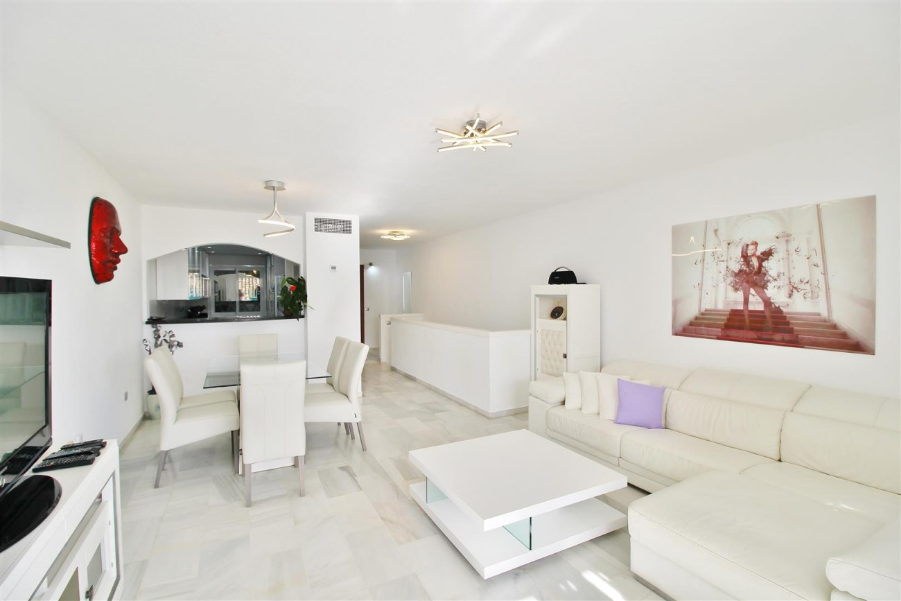 Apartment for sale Puerto Banus Marbella Spain (2) (Large)