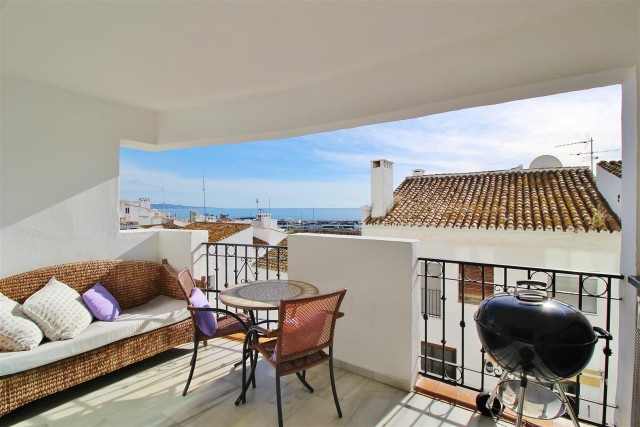 Apartment for Sale - 585.000€ - Puerto Banús, Costa del Sol - Ref: 5939