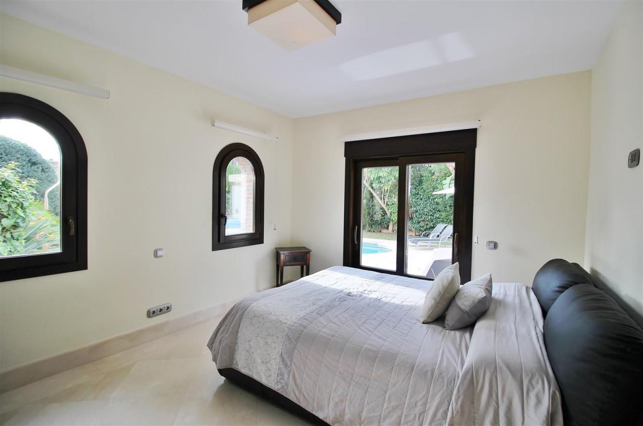 Luxury Villa for sale Nueva Andalucia Marbella Spain (9) (Large)