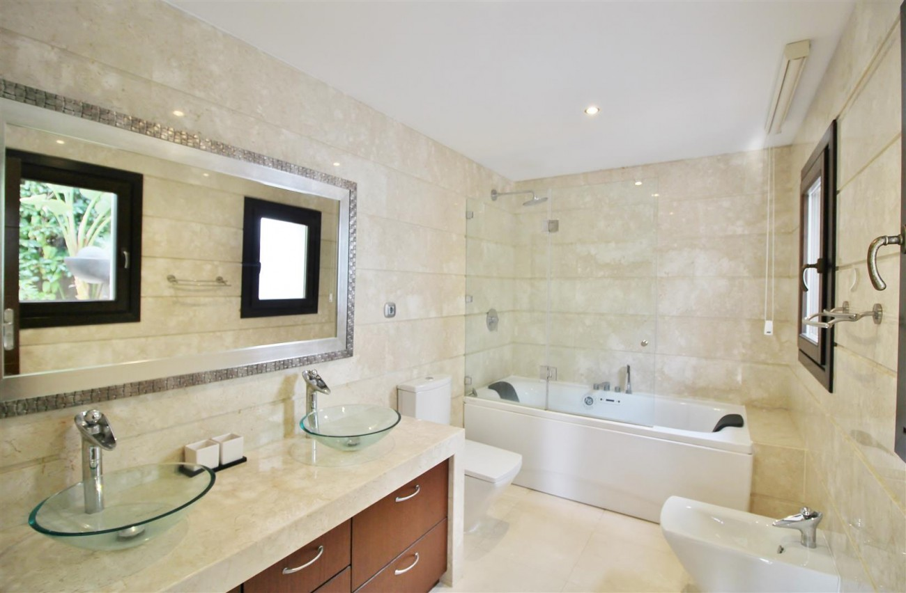 Luxury Villa for sale Nueva Andalucia Marbella Spain (10) (Large)