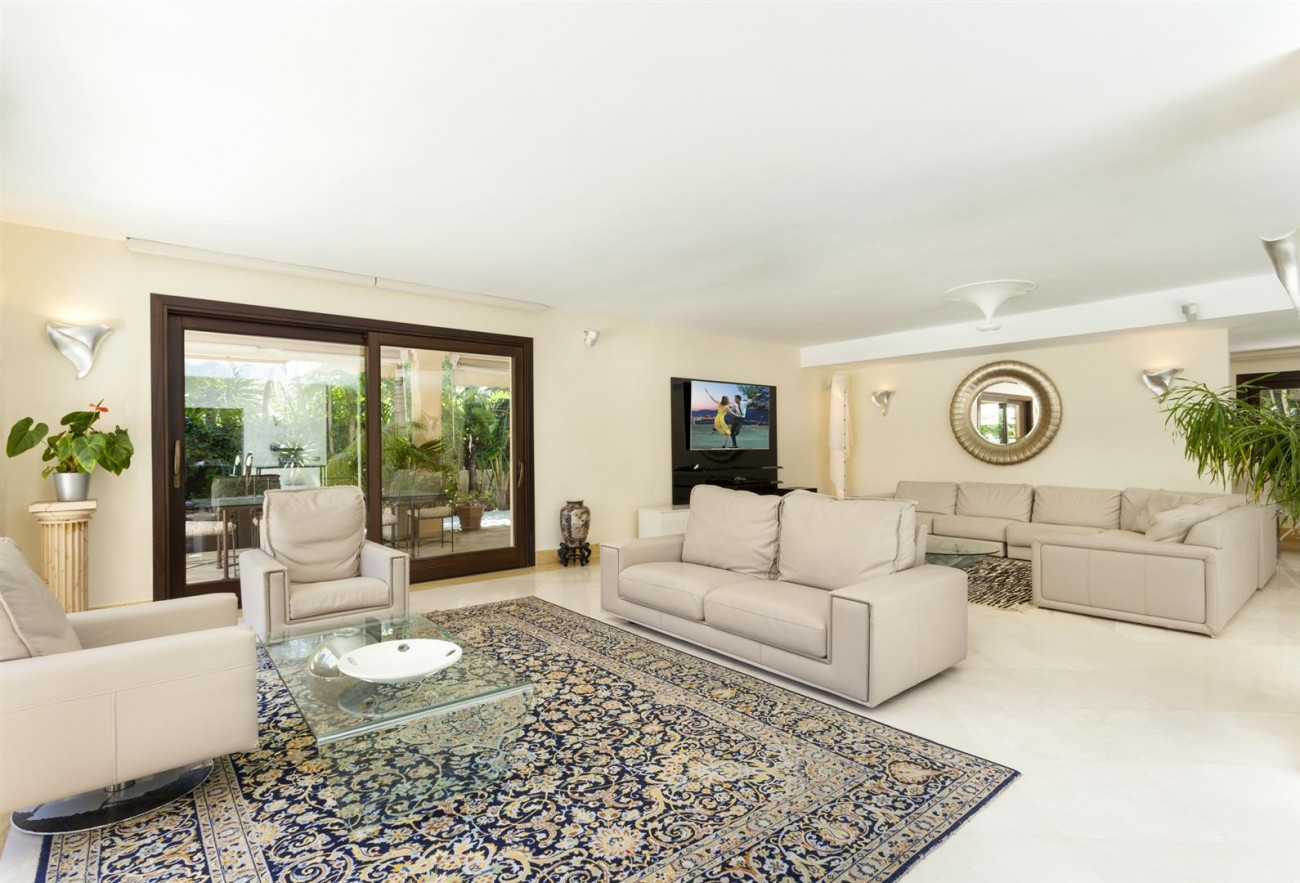 Luxury Villa for sale Nueva Andalucia Marbella Spain (13) (Large)