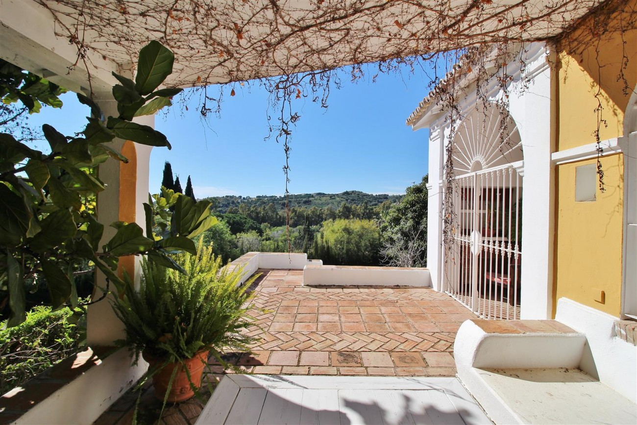 Villa for sale close to Puerto Banus Spain (37) (Large)