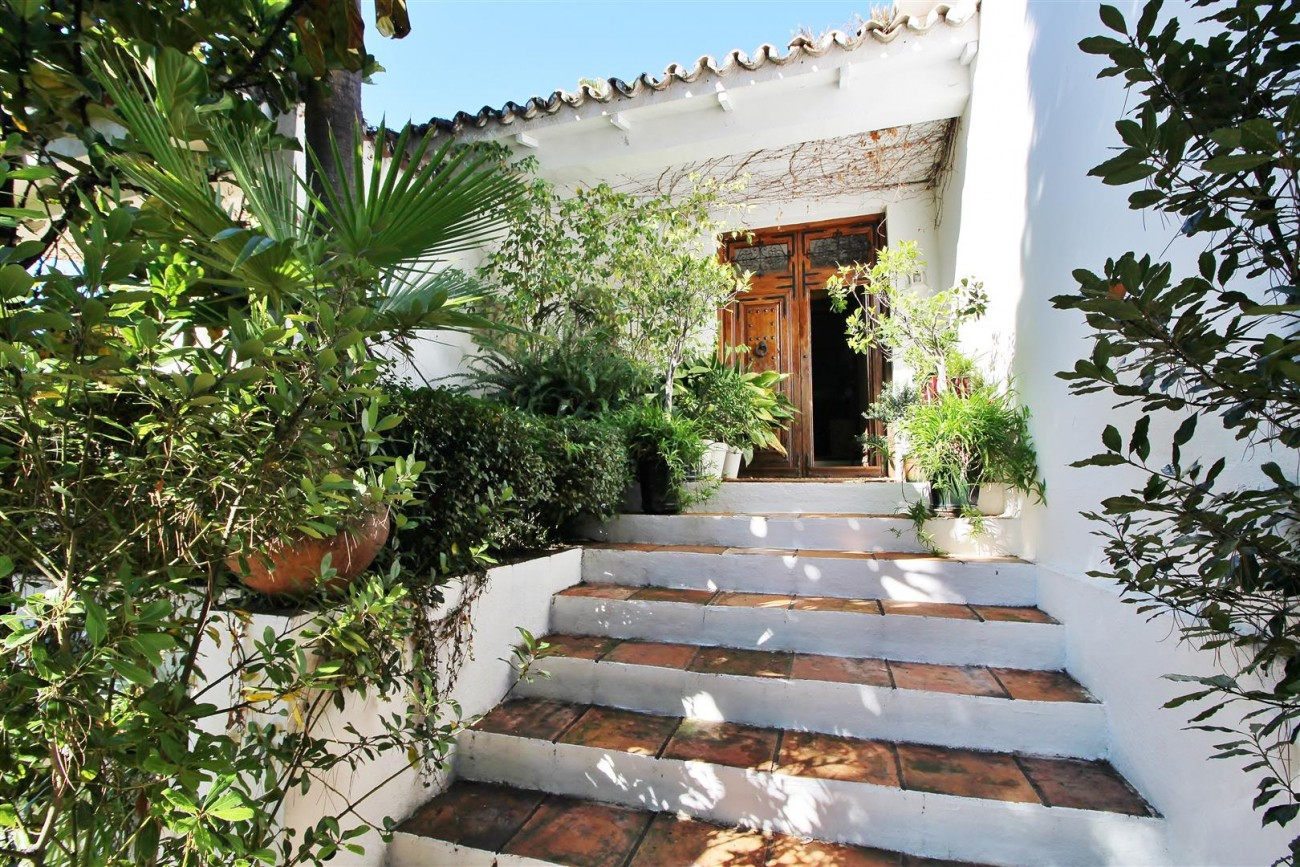 Villa for sale close to Puerto Banus Spain (34) (Large)