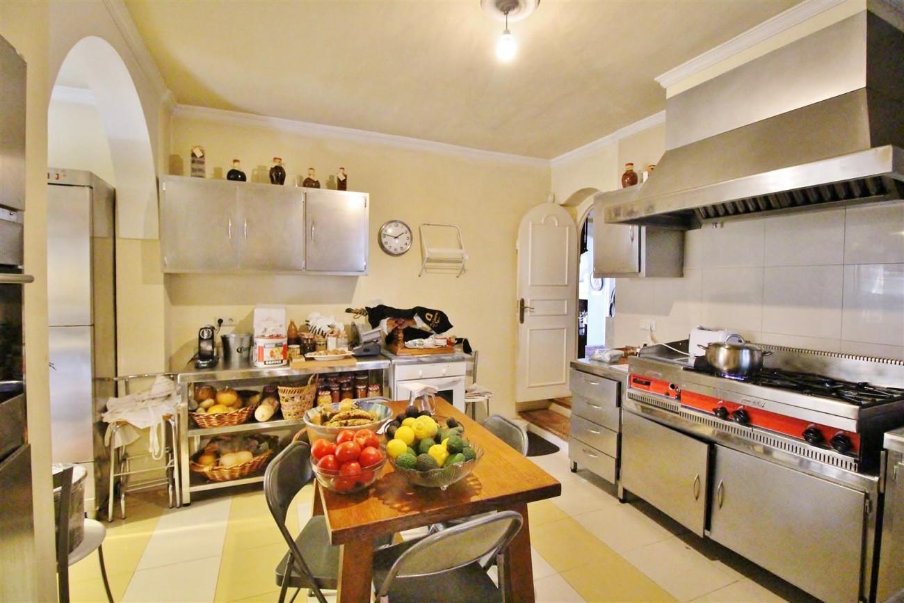 Villa for sale close to Puerto Banus Spain (29) (Large)