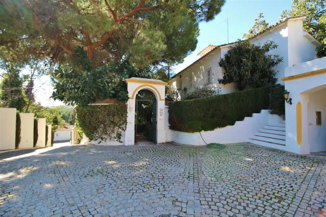 Villa for sale close to Puerto Banus Spain (16) (Large)