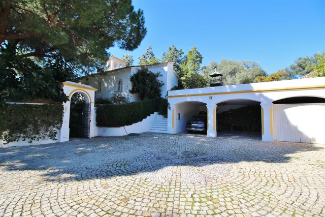 Villa for sale close to Puerto Banus Spain (15) (Large)