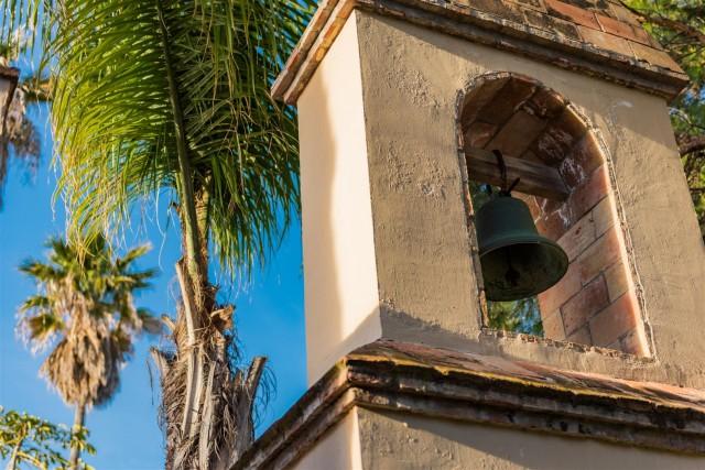 Exclusive Beachfront Villa for sale Marbella East (30) (Large)