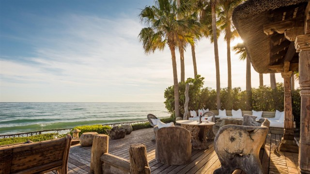 Exclusive Beachfront Villa for sale Marbella East (14) (Large)