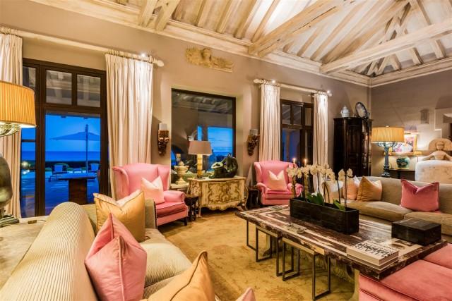 Exclusive Beachfront Villa for sale Marbella East (42) (Large)