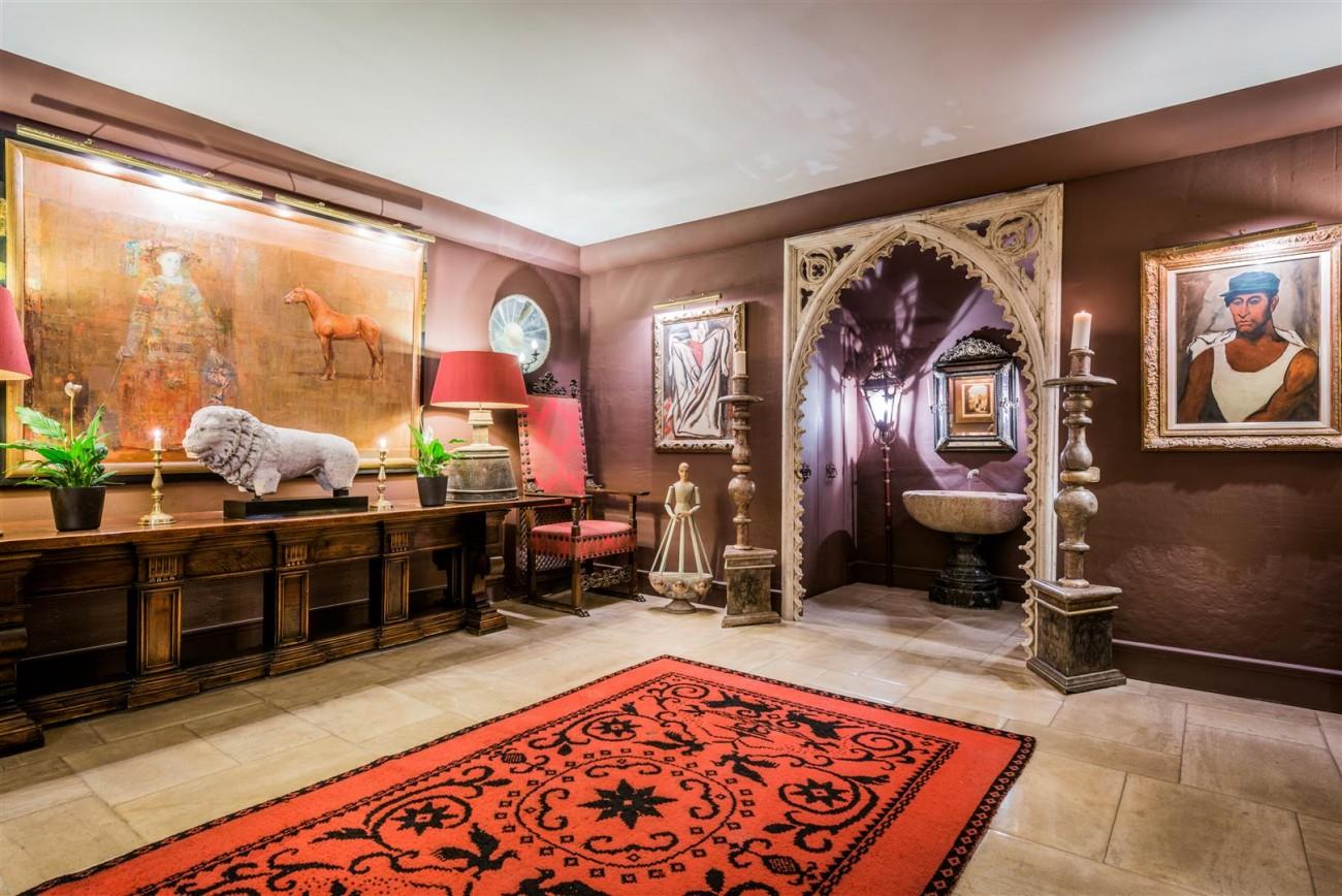 Exclusive Beachfront Villa for sale Marbella East (44) (Large)