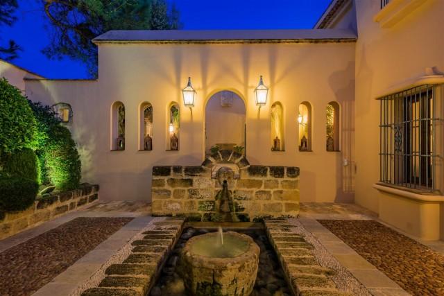Exclusive Beachfront Villa for sale Marbella East (46) (Large)