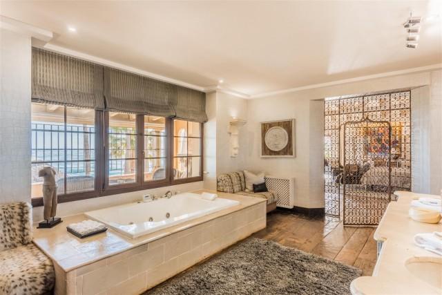 Exclusive Beachfront Villa for sale Marbella East (4) (Large)