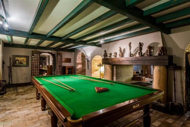 Exclusive Beachfront Villa for sale Marbella East (55) (Large)