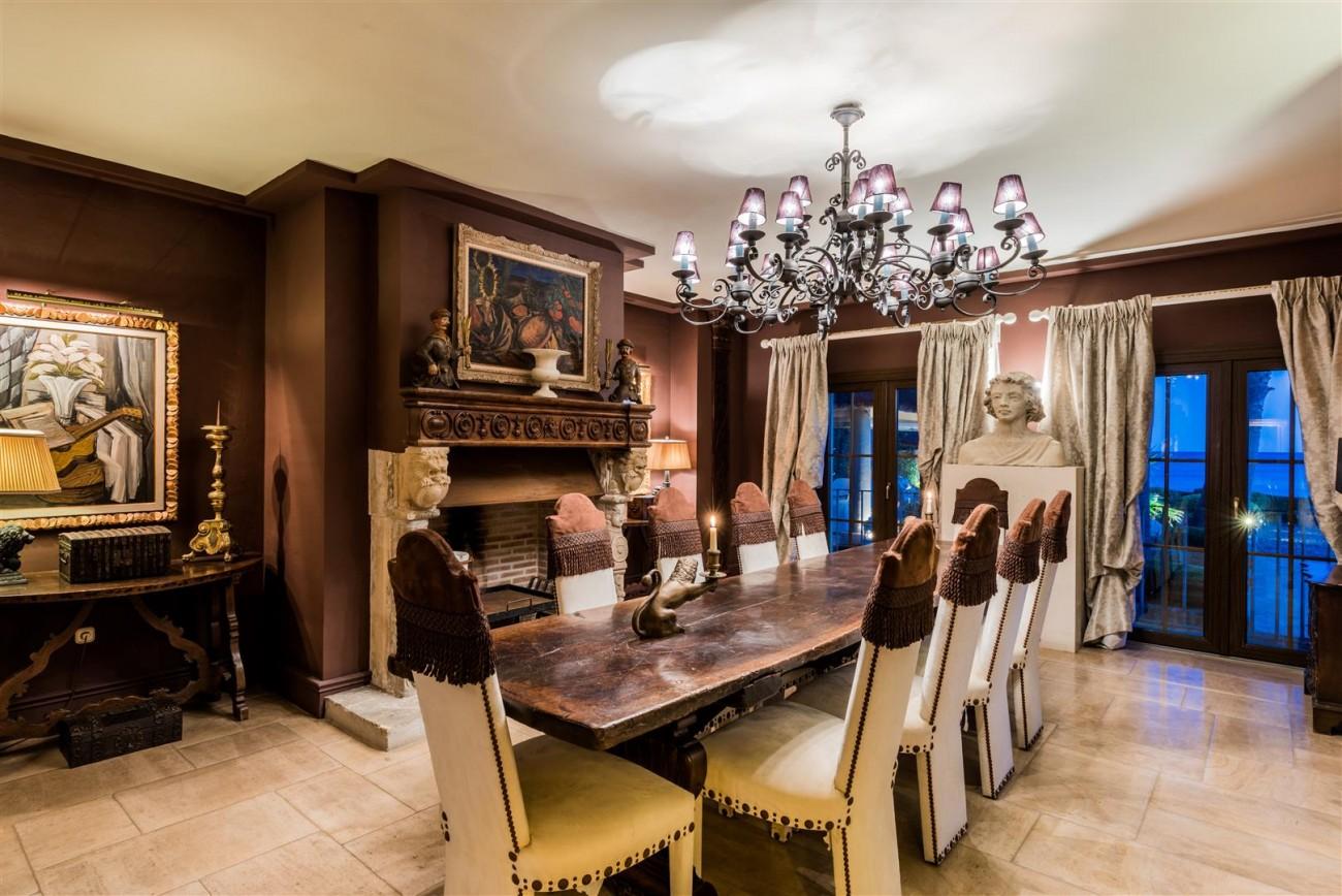 Exclusive Beachfront Villa for sale Marbella East (43) (Large)