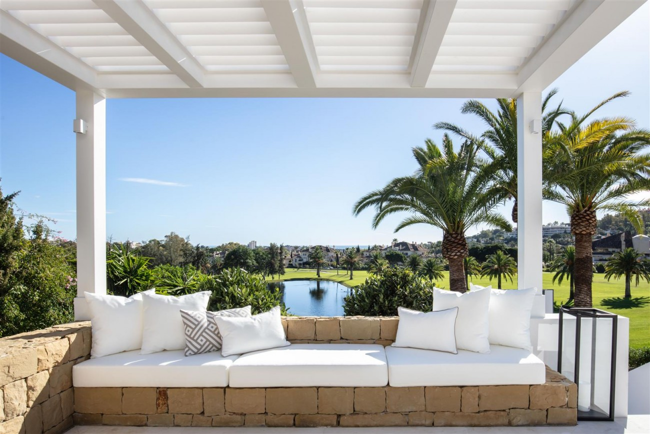 Frontline Golf Luxury Villa for sale Nueva Andalucia Marbella Spain (17) (Large)
