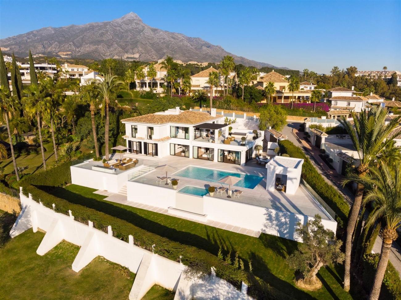Frontline Golf Contemporary Villa for sale Nueva Andalucia Marbella Spain (31) (Large)