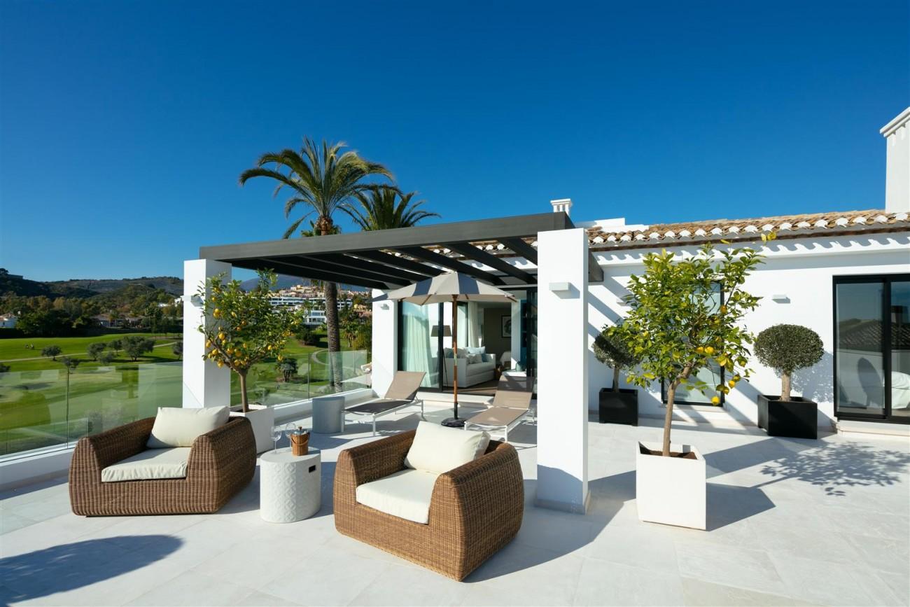 Frontline Golf Contemporary Villa for sale Nueva Andalucia Marbella Spain (16) (Large)