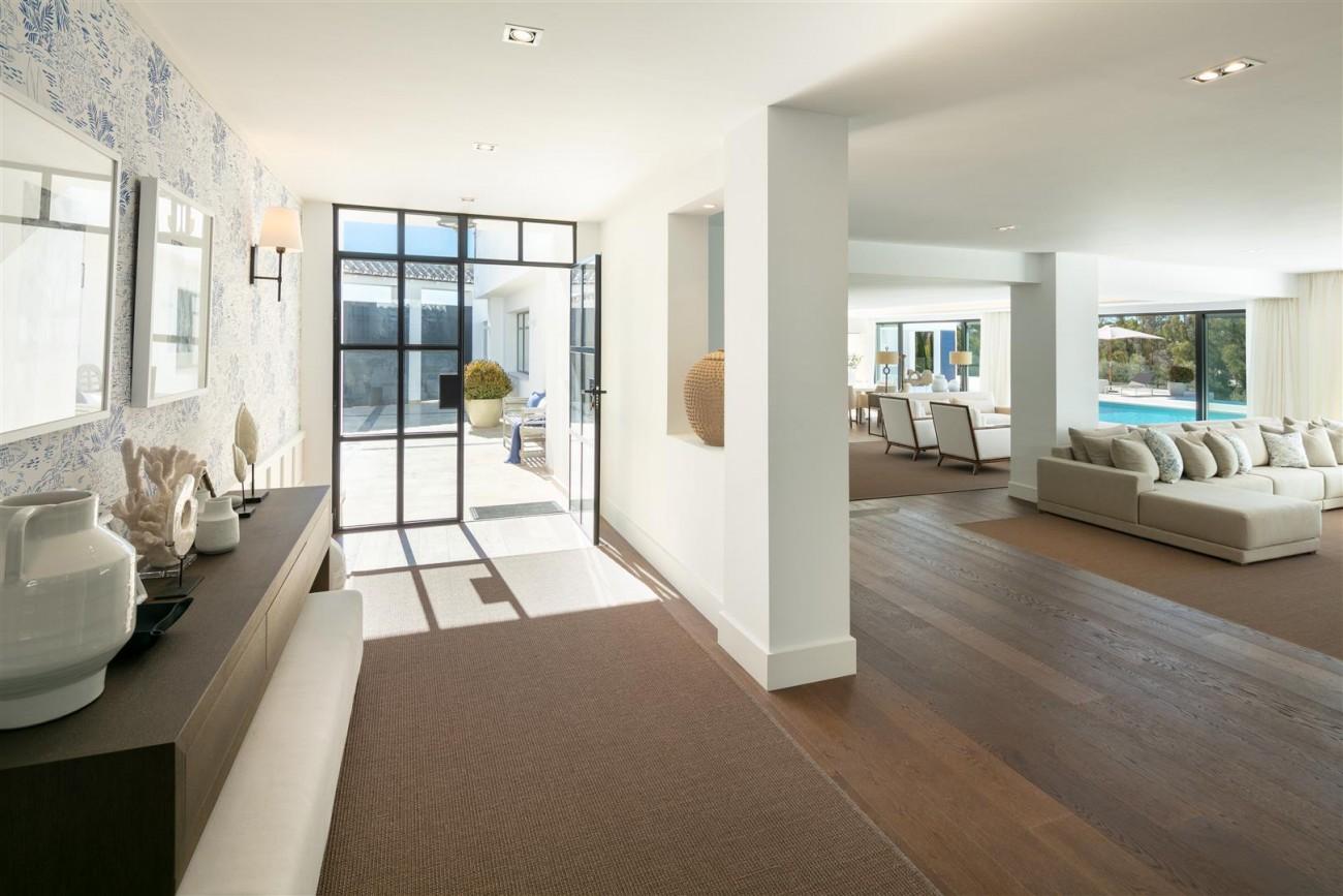 Frontline Golf Contemporary Villa for sale Nueva Andalucia Marbella Spain (8) (Large)