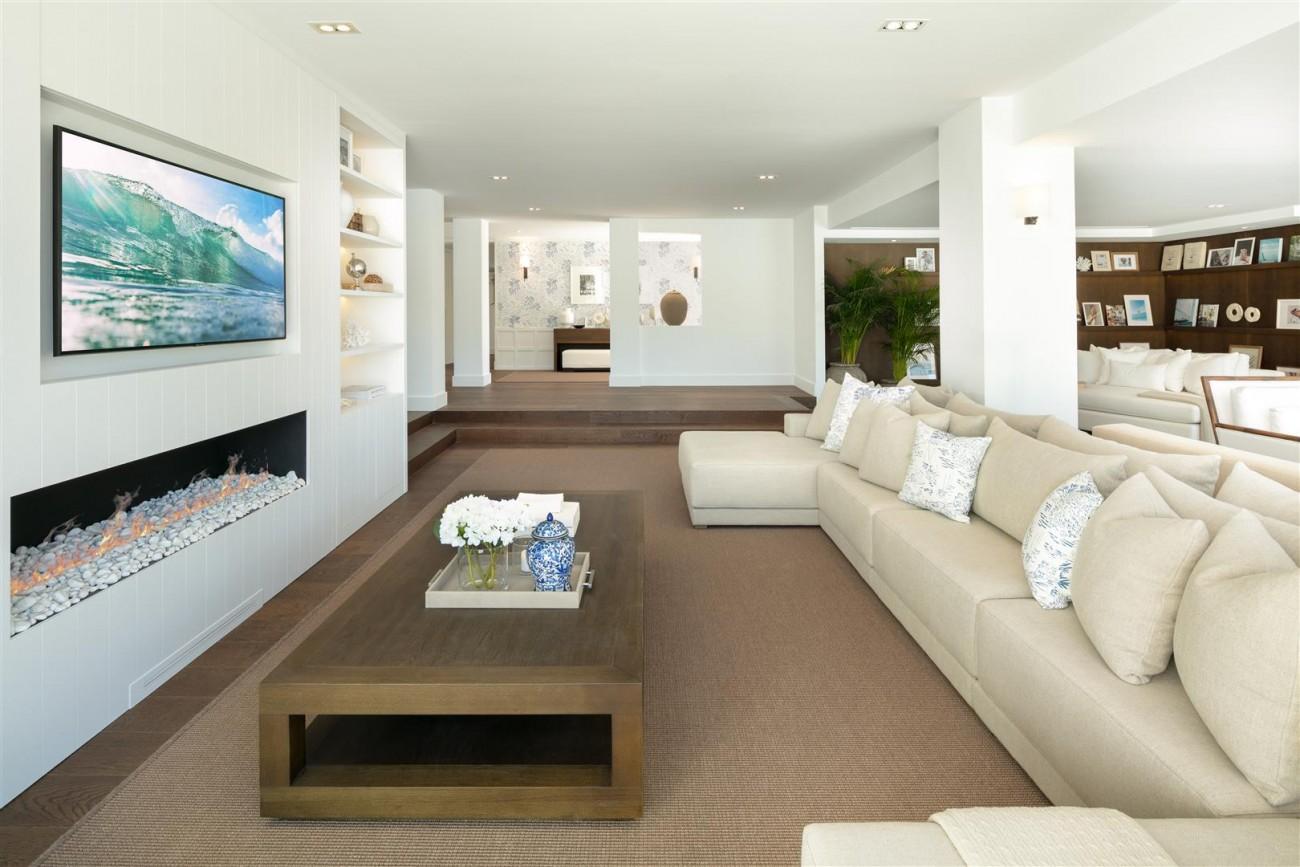 Frontline Golf Contemporary Villa for sale Nueva Andalucia Marbella Spain (10) (Large)
