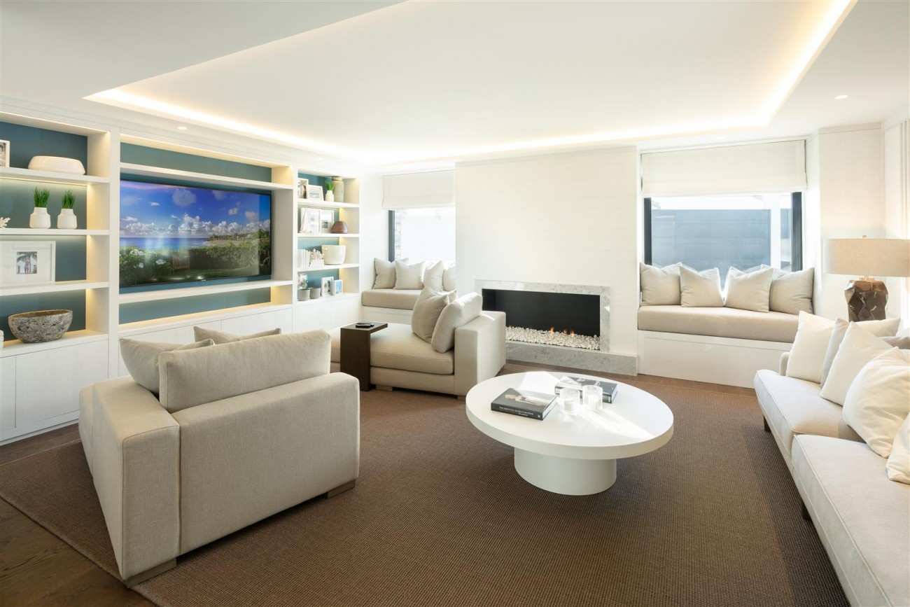 Frontline Golf Contemporary Villa for sale Nueva Andalucia Marbella Spain (1) (Large)
