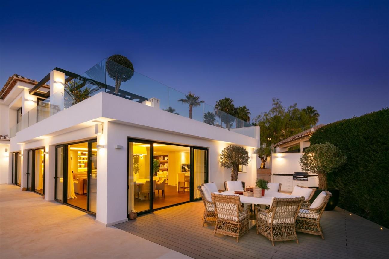 Frontline Golf Contemporary Villa for sale Nueva Andalucia Marbella Spain (25) (Large)