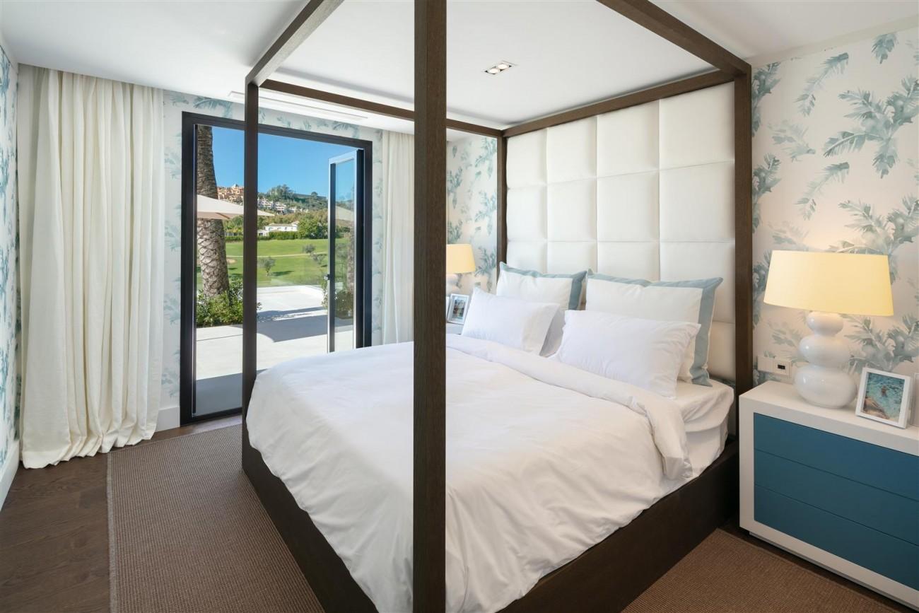 Frontline Golf Contemporary Villa for sale Nueva Andalucia Marbella Spain (7) (Large)