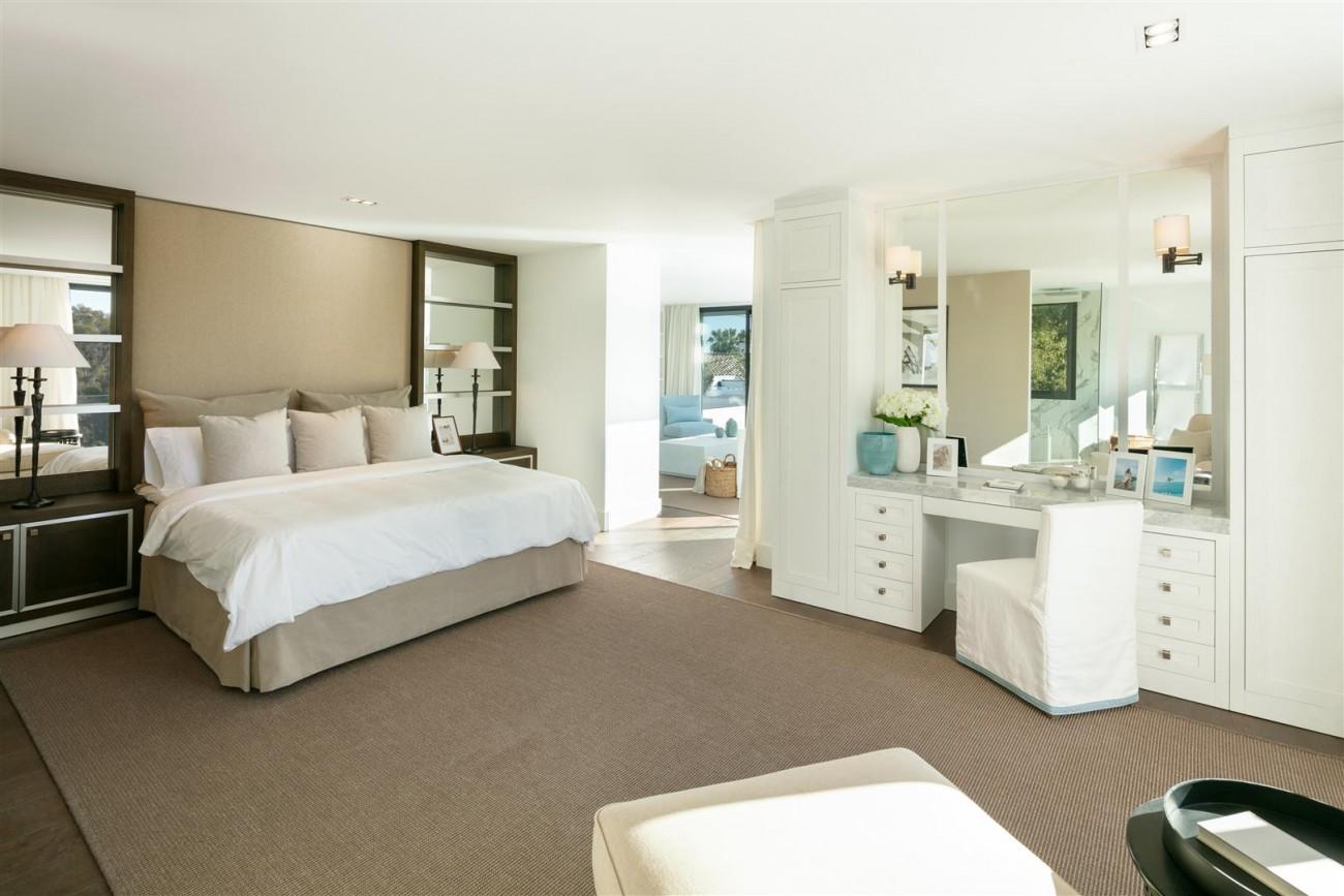Frontline Golf Contemporary Villa for sale Nueva Andalucia Marbella Spain (20) (Large)