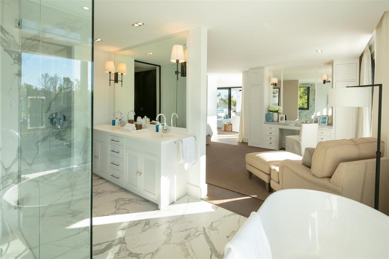 Frontline Golf Contemporary Villa for sale Nueva Andalucia Marbella Spain (18) (Large)