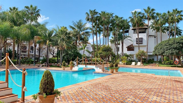 Apartment for Sale - 2.500.000€ - Golden Mile, Costa del Sol - Ref: 5951