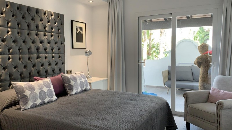Contemporary Apartment for sale Puente Romano Marbella Golden Mile Spain (15) (Large)