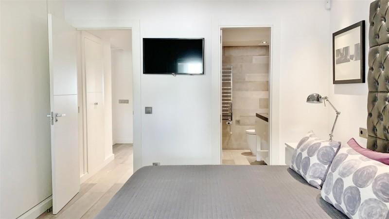 Contemporary Apartment for sale Puente Romano Marbella Golden Mile Spain (27) (Large)