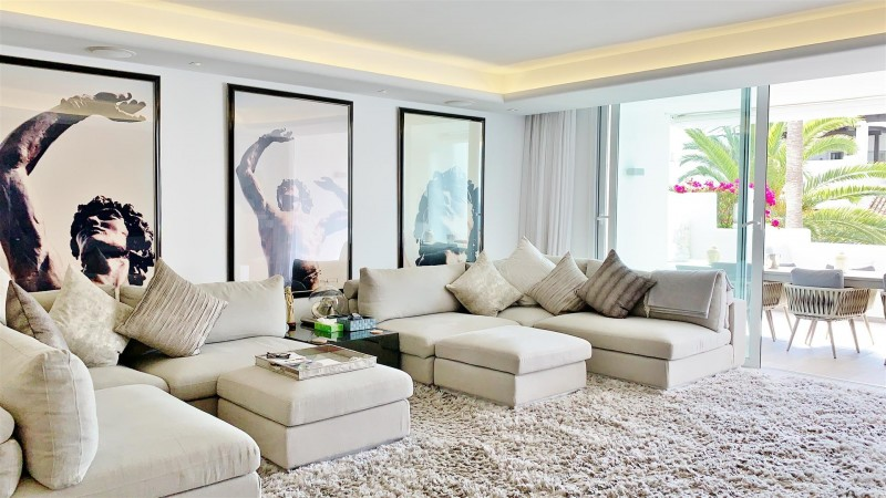 Contemporary Apartment for sale Puente Romano Marbella Golden Mile Spain (28) (Large)