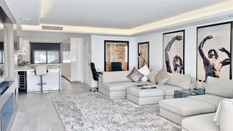 Contemporary Apartment for sale Puente Romano Marbella Golden Mile Spain (29) (Large)
