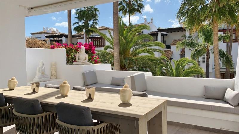 Contemporary Apartment for sale Puente Romano Marbella Golden Mile Spain (39) (Large)