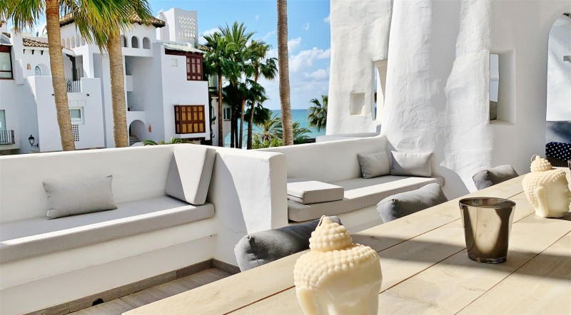 Contemporary Apartment for sale Puente Romano Marbella Golden Mile Spain (40) (Large)