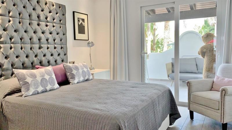 Contemporary Apartment for sale Puente Romano Marbella Golden Mile Spain (41) (Large)