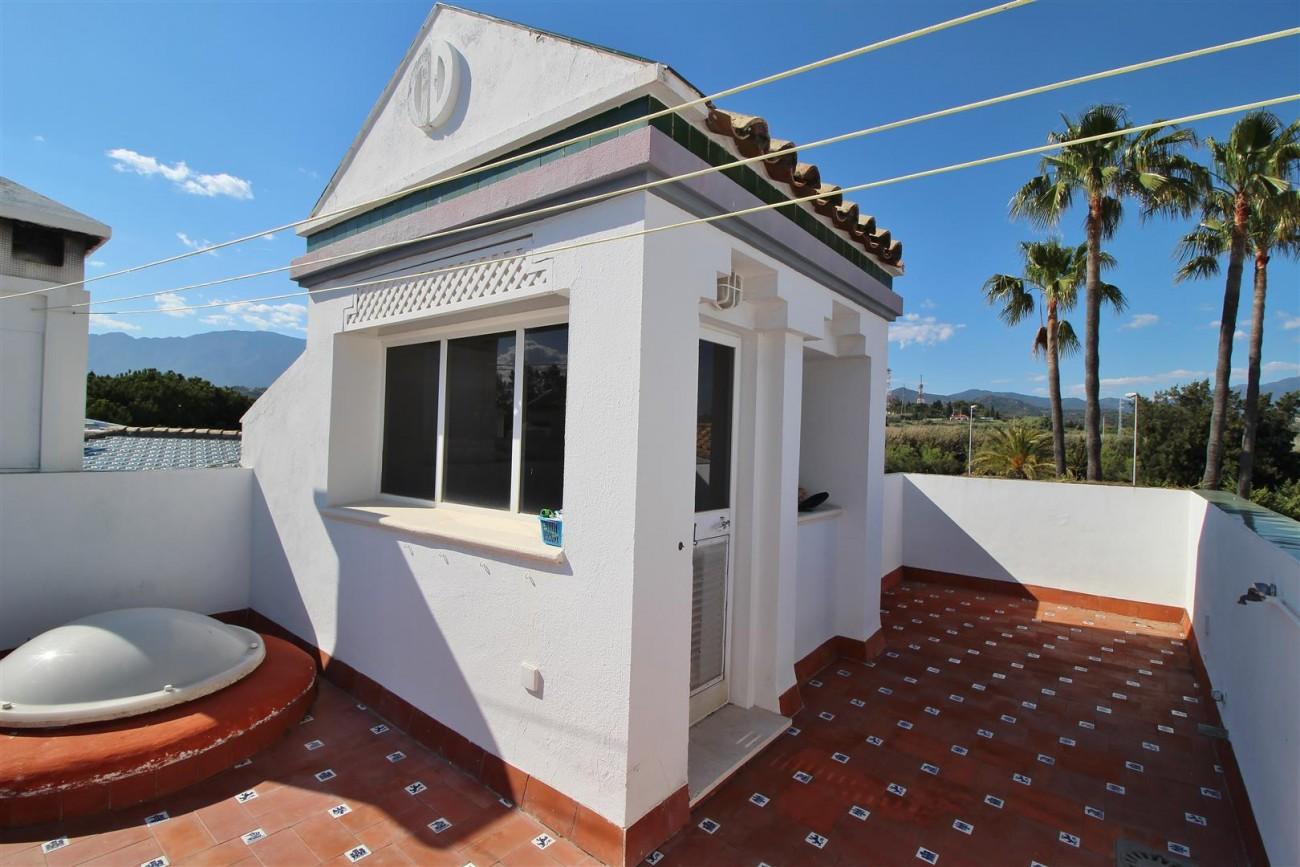 Beachfront Townhouse for sale Estepona Spain (22) (Large)