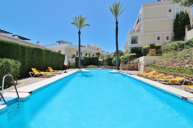 Townhouse for Sale - 375.000€ - Nueva Andalucía, Costa del Sol - Ref: 5960