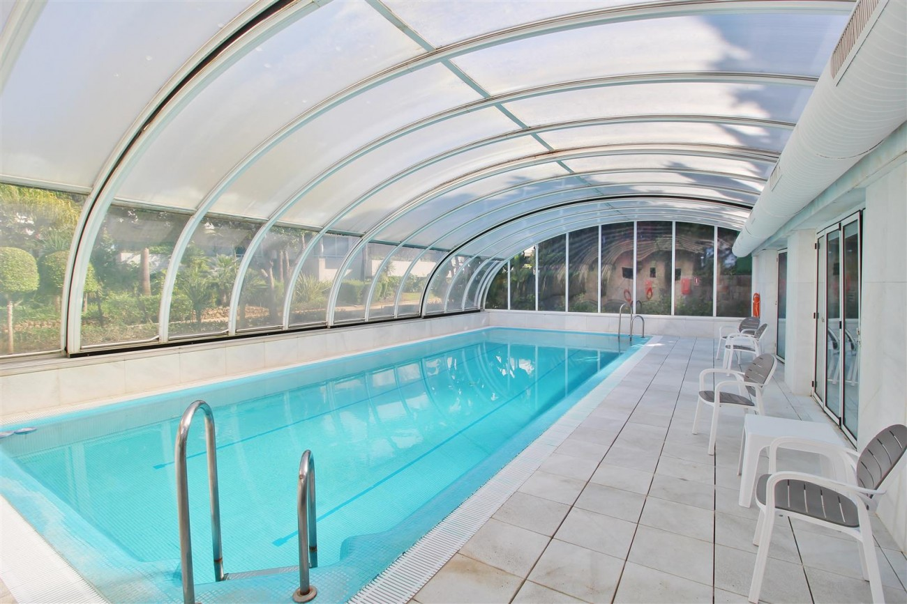 Frontline Golf Luxury Apartment for sale Nueva Andalucia Marbella Spain (5) (Large)