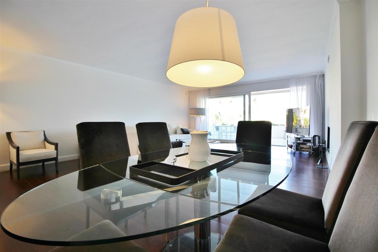 Frontline Golf Luxury Apartment for sale Nueva Andalucia Marbella Spain (11) (Large)