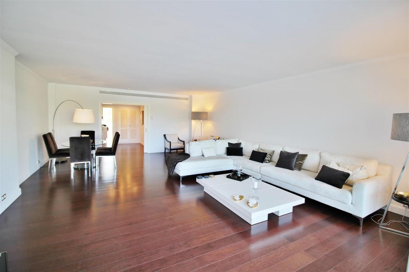 Frontline Golf Luxury Apartment for sale Nueva Andalucia Marbella Spain (12) (Large)