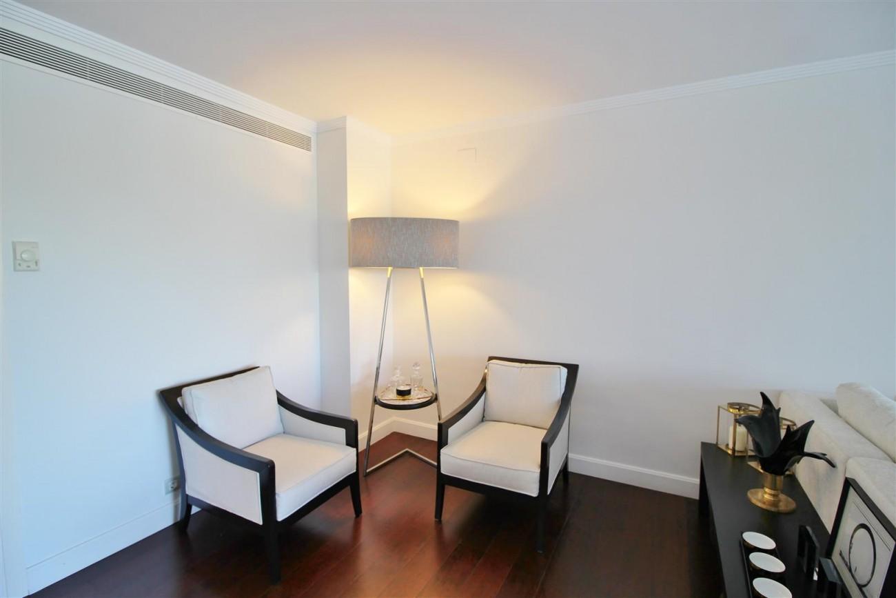 Frontline Golf Luxury Apartment for sale Nueva Andalucia Marbella Spain (18) (Large)