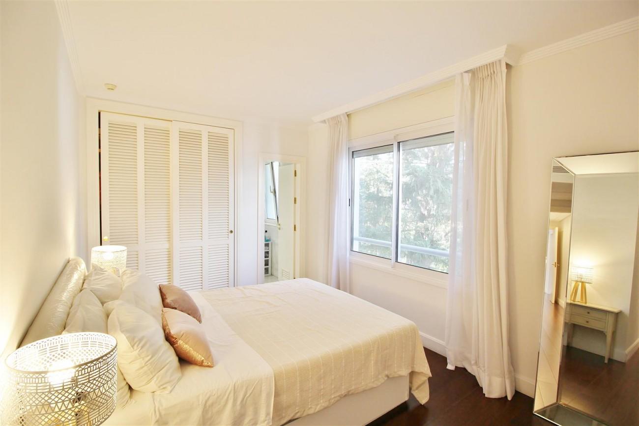 Frontline Golf Luxury Apartment for sale Nueva Andalucia Marbella Spain (24) (Large)