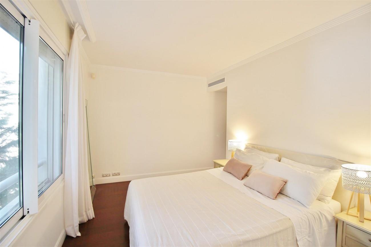 Frontline Golf Luxury Apartment for sale Nueva Andalucia Marbella Spain (26) (Large)