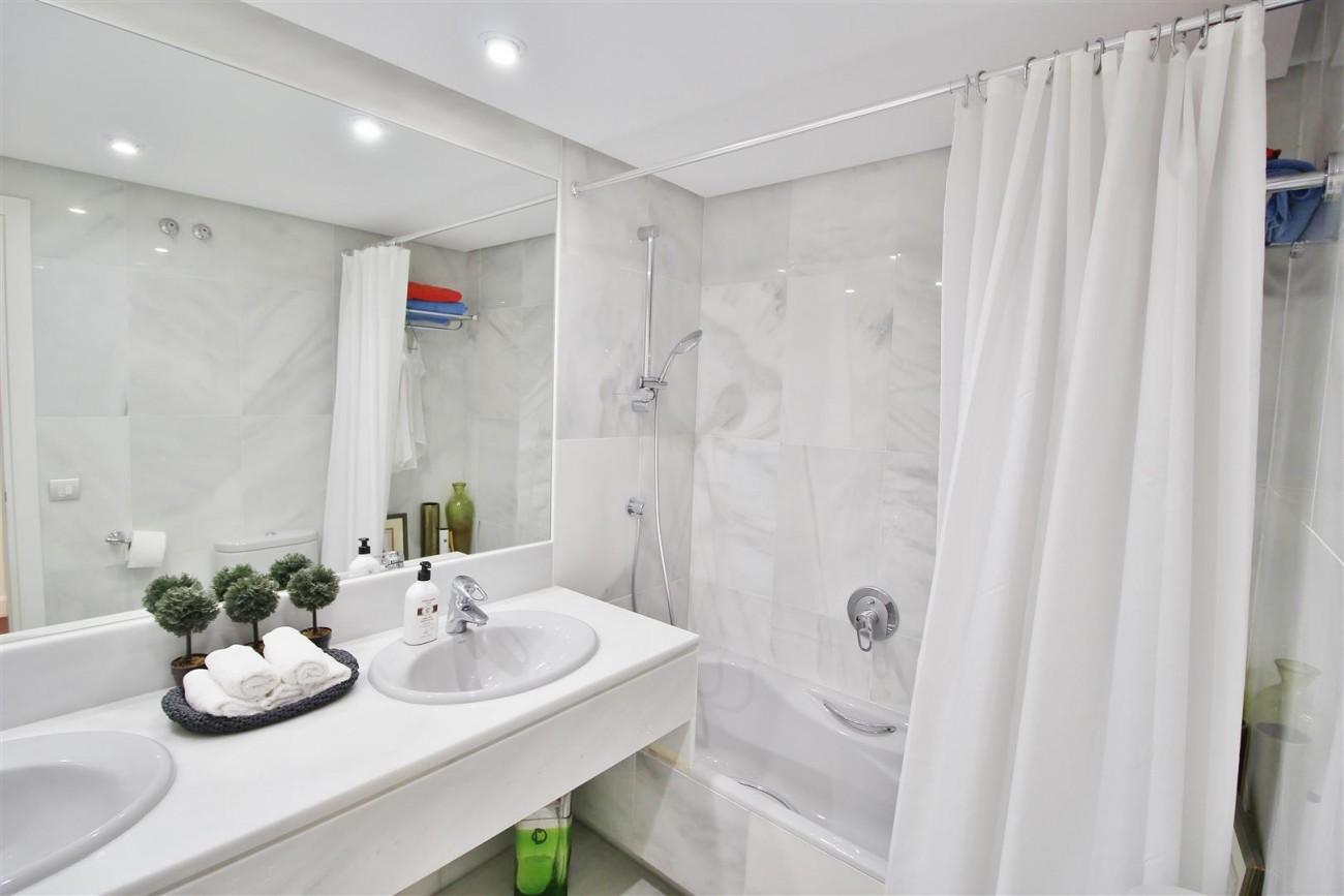 Frontline Golf Luxury Apartment for sale Nueva Andalucia Marbella Spain (27) (Large)