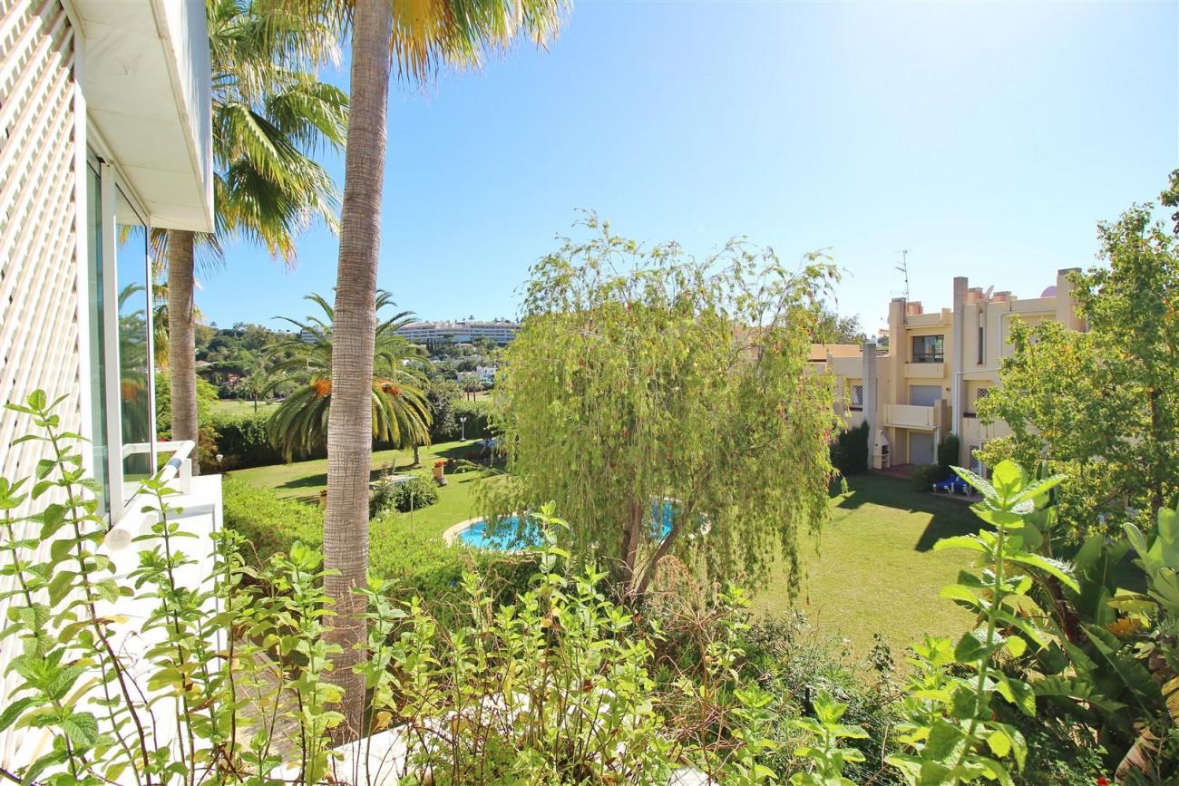 Frontline Golf Luxury Apartment for sale Nueva Andalucia Marbella Spain (30) (Large)