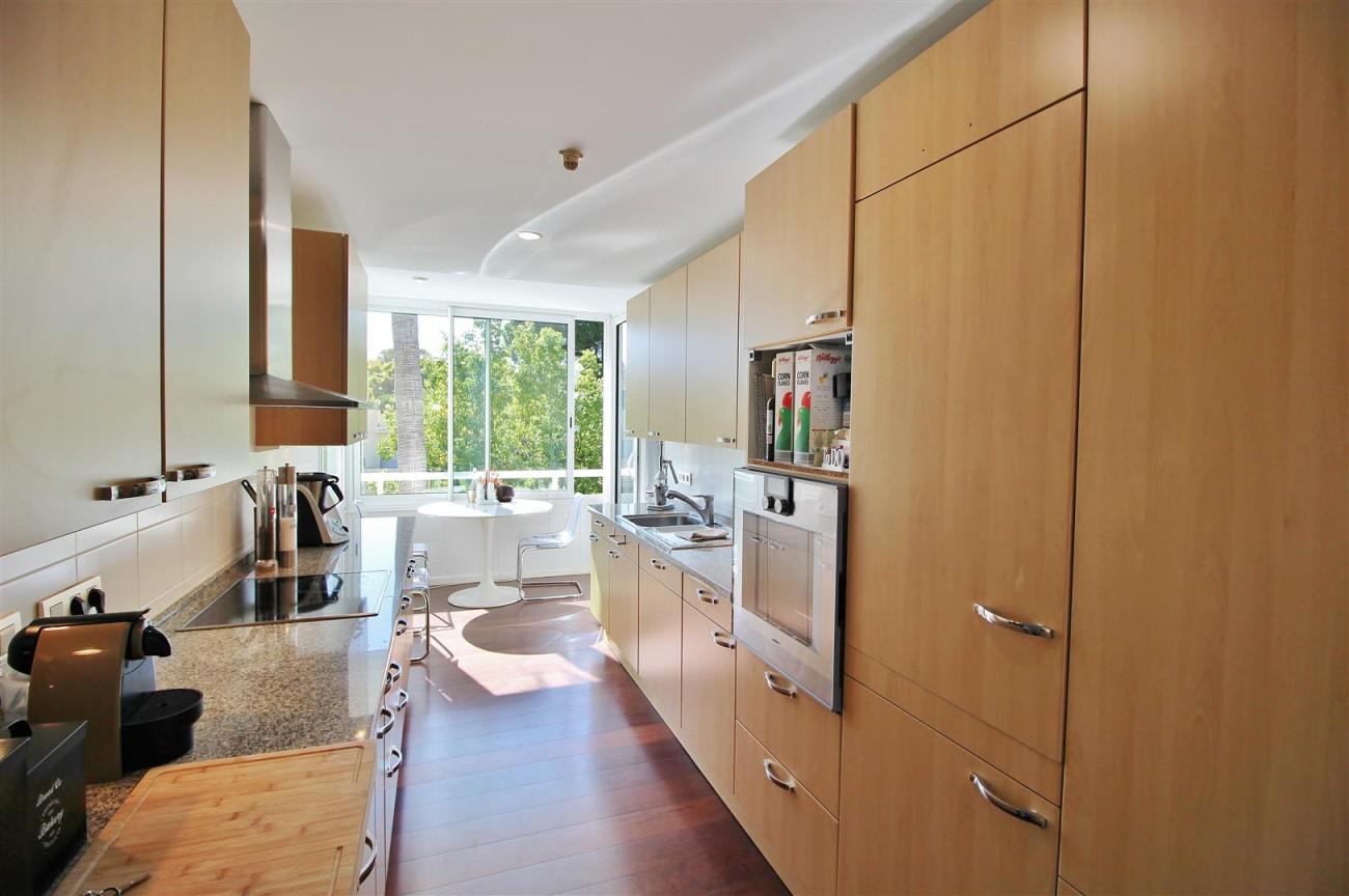 Frontline Golf Luxury Apartment for sale Nueva Andalucia Marbella Spain (34) (Large)